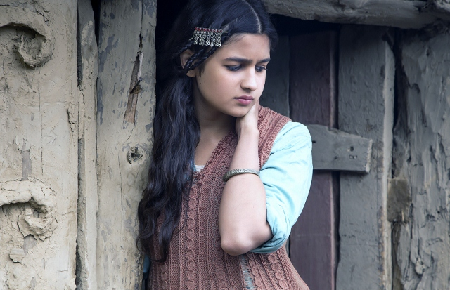 More photos alia bhatt shooting for highway in kashmir want to check the earlier pictures of alia bhatt thecheapjerseys Gallery