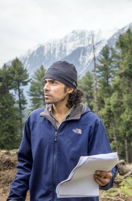 Imtiaz Ali Shooting for Highway at Aru Valley, Kashmir, 11-05-2013.jpg (422x640)
