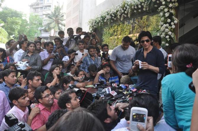 Shah Rukh media frenzy
