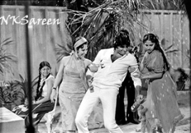 Amitabh at Namak Halal shoot 3 a jpg