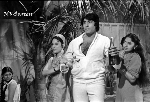 Amitabh at Namak Halal shoot