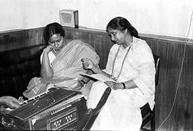 Versha and Asha Bhosle 1