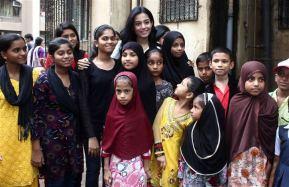 Amrita with the Pratham kids