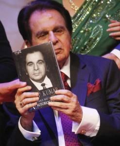 celebs-stuns-dilip-kumar-autobiography-launch_140239366540