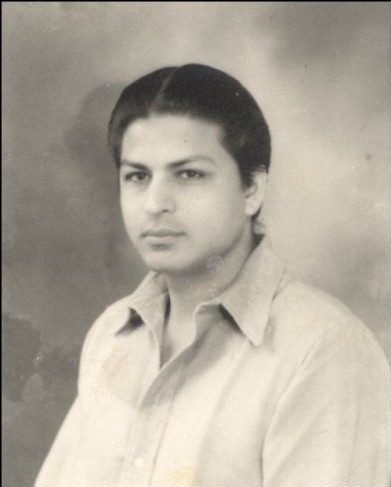 Taj Khan, Shah Rukh Khan's father