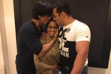 When Shahrukh and Salman gave their blessings to their sister, Arpita, just before her wedding