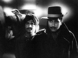 Shaheed (1965) Released during early 60s, this Manoj Kumar and Prem Chopra starrer is considered by many as the best film ever made on India's revered martyr, Bhagat Singh!