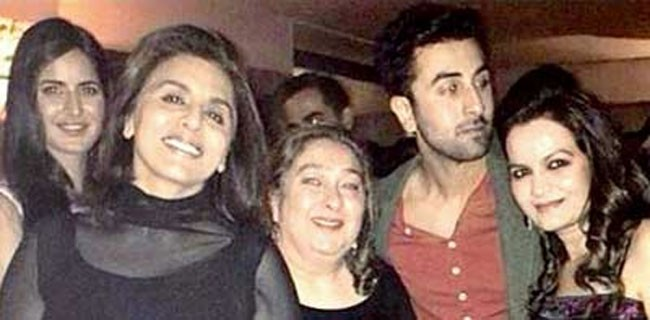 One of the rare pictures of the Kapoor ladies, Ranbir and Katrina