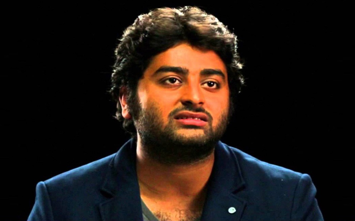 Here is the video where Arijit Singh is 'insulting' Salman Khan