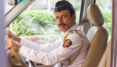 manoj-bajpai-in-traffic