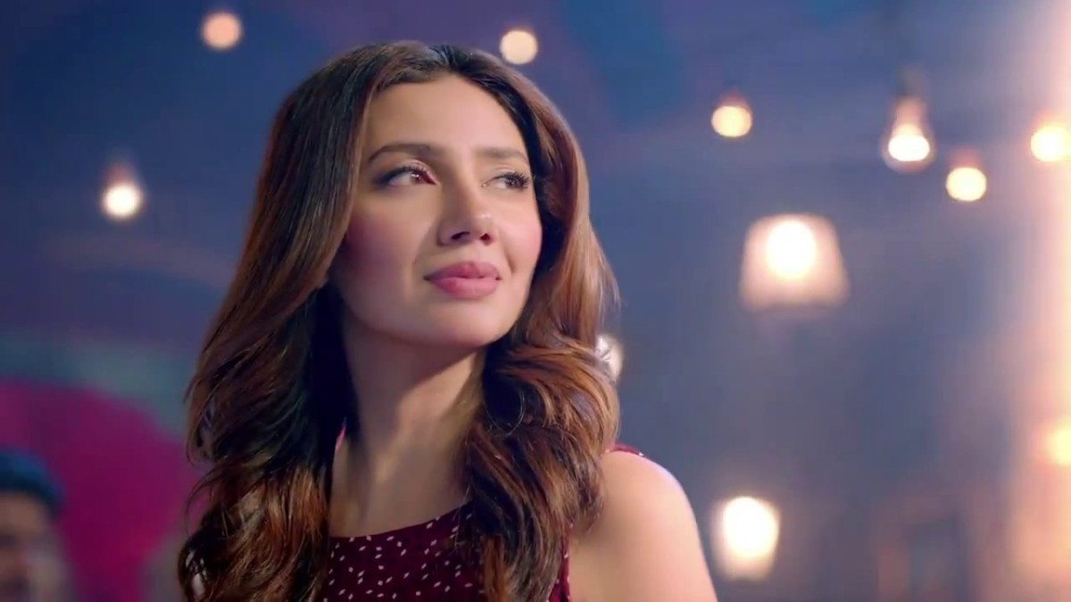 Dear Mahira Khan, Pakistan doesn't deserve you. Kindly take an Indian citizenship.